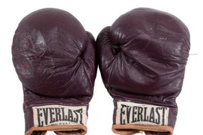 Мухаммеда Али перчатки.jpg